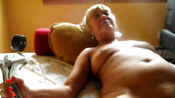 在寻找的人有性行为的抽史密斯市长赤裸裸的