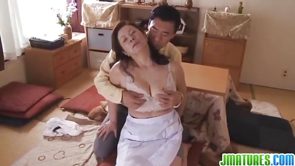玛丽刺穿的性感照片鹤佩奇赤裸裸的
